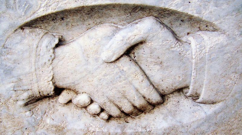 O poveste cu Platon, dialoguri şi mediere